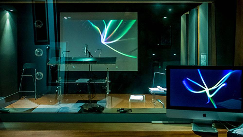 Doppiaggio: la sala di registrazione vista dalla cabina di regia