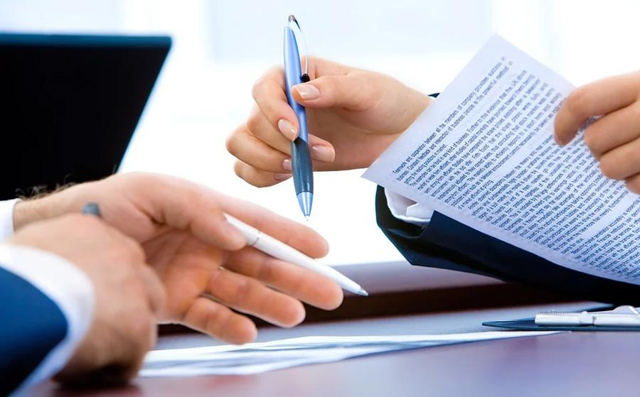 Per pubblicare un libro bisogna pagare? Mai e poi mai. I contratti con gli editori a pagamento NON sono un'opzione.