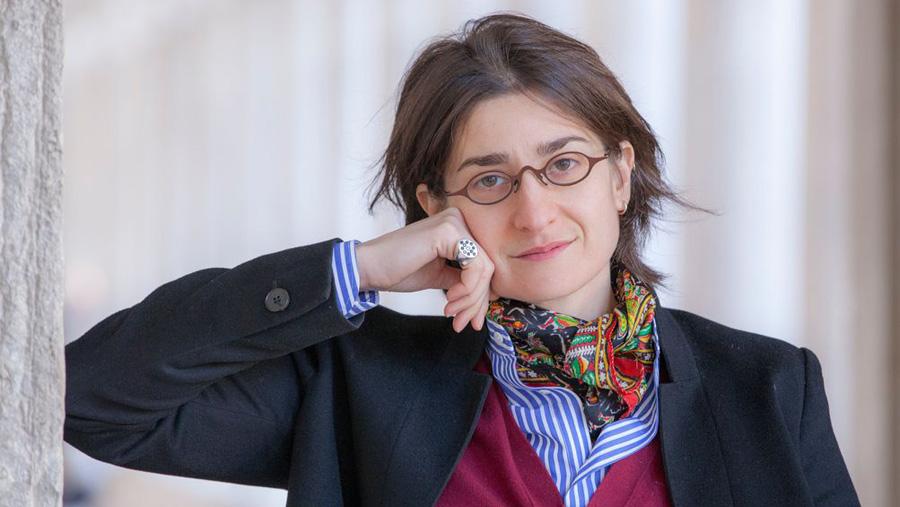 """La matematica è politica di Chiara Valerio, un libro nato quasi """"su commissione"""""""